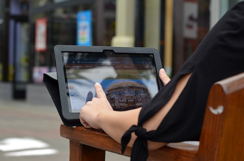 Shoppers can now find free wi-fe internet access at the Queen Kaahumanu Shopping Center. Courtesy photo.