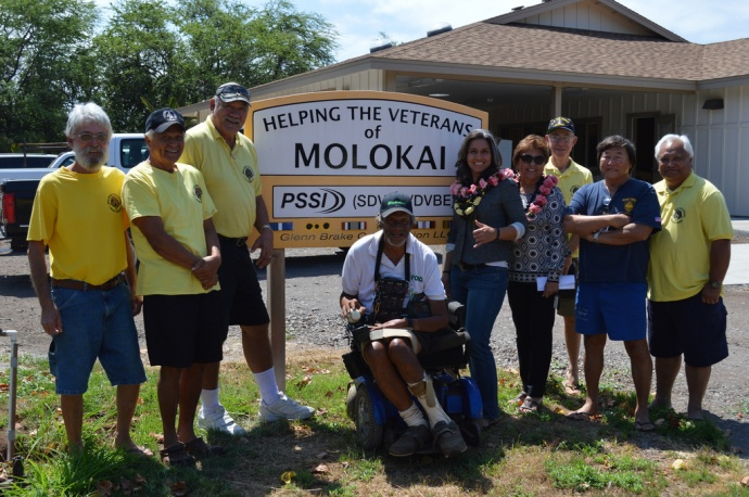 Rep. Gabbard visits the Veterans Center for Molokaʻi. File photo May 2014.