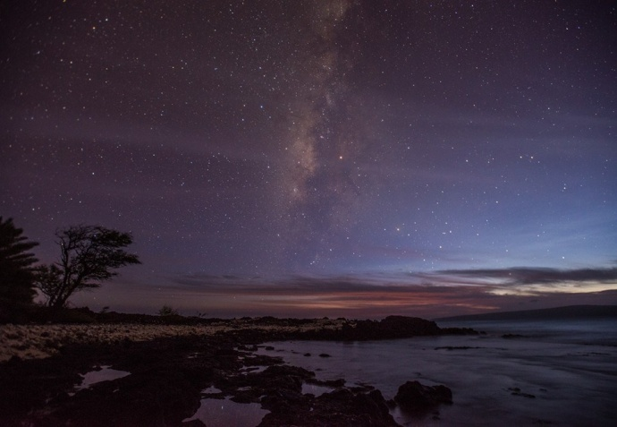 The Milky Way just after sunset at La Perouse, Maui / Image:  Chris Archer.