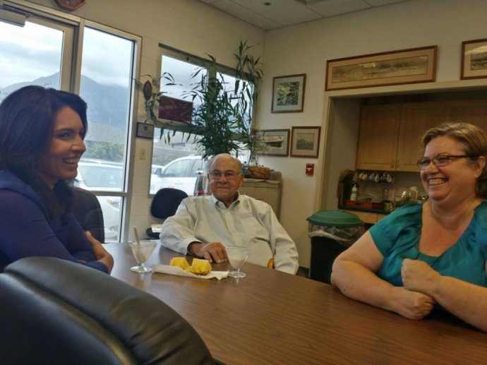 Rep. Gabbard meets with Buddy & Cathy Nobriga, business parters / father-daughter team, at Maui Soda and Ice Works. 10/30/14, courtesy photo.