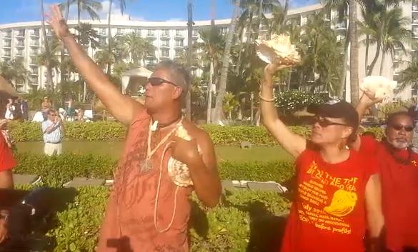 Groups Protest TPP Trade Negotiations on Maui. Photo credit: Nicholas Garrett.