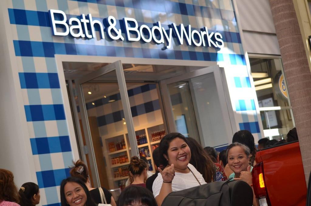 Bath & Body Works, Queen Kaʻahumanu Center, 11/9/15. Photo credit: QKC.