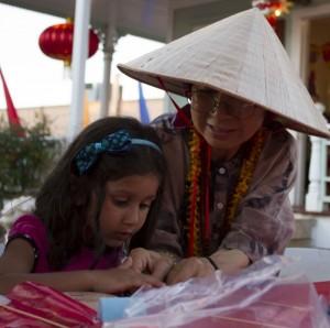Keiki craft making with Busaba Yip Douglas, by Kristin Sherwood.