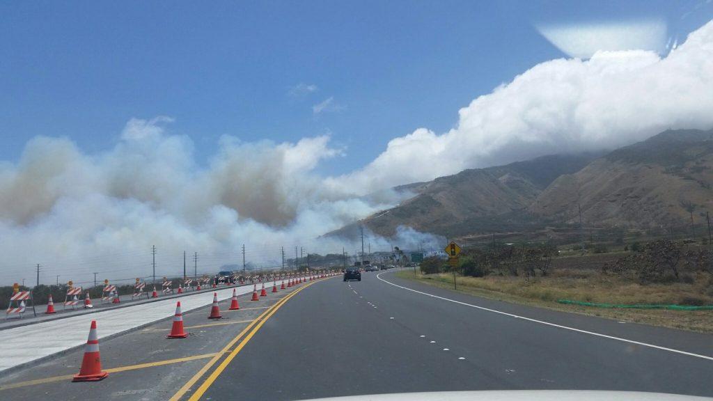 Māʻalaea fire 7.2.16. Photo credit: Tenessa Cavitt.