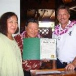 Mayor Arakawa signs the Workplace Wellness Week proclamation on February 28, 2011. File photo, courtesy of the County of Maui.
