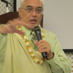 Hau'oli Tomoso offers an opening pule for the HRSHA Annual Conference.