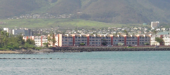 Harbor Lights Condominium Complex in Kahului, file photo by Wendy Osher.