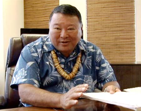 Mayor Arakawa. File photo by Wendy Osher.