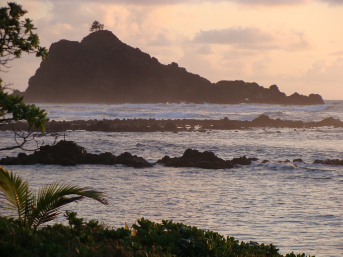 ʻĀlau island located off of the picturesque Hāna shoreline in East Maui. File photo by Wendy Osher.