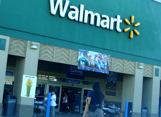 Walmart Offers Employees Gym Memberships