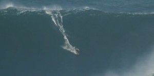 surf-garrett-mcnamara-biggest-wave-ever-90feet