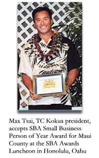 Max Tsai, president of TC Kokua, accepts the 2009 Small Business Person of the Year award from the US Small Business Administration. Photo courtesy of Tsai.