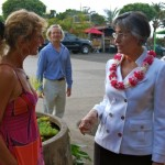 Linda Lingle conversing with Haiku Style shop owner Claire.