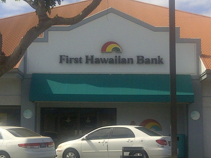 First Hawaiian Bank Waives Fees for Non-Customers Cashing Stimulus Checks