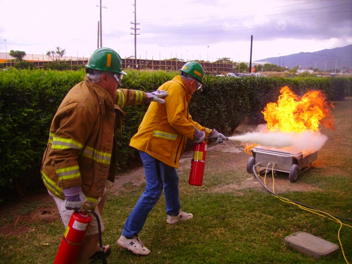 CERT training in fire suppression. Photo courtesy Maui Civil Defense Agency.