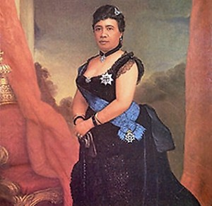 Queen_Liliuokalani_at_Iolani_Palace_in_Honolulu