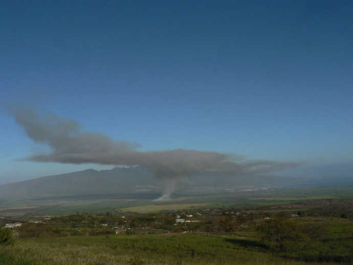 Sugar cane burn_march 20_2012-black-plume