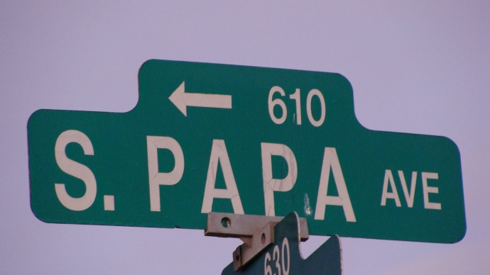 South Papa Avenue, Kahului. Photo by Wendy Osher.