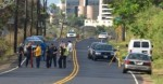 MPD investigation into dead body found on the Kahekili Highway near Happy Valley. Photo 8/17/12 by Rodney Yap.