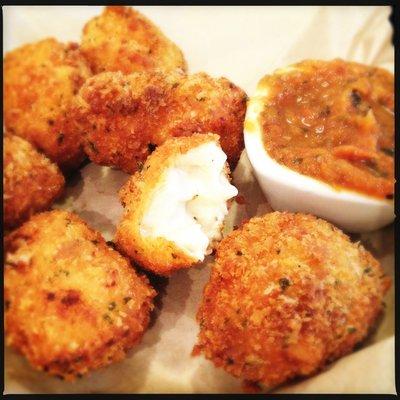 Leoda's Kitchen's fried mac and cheese balls. Photo by Vanessa Wolf.