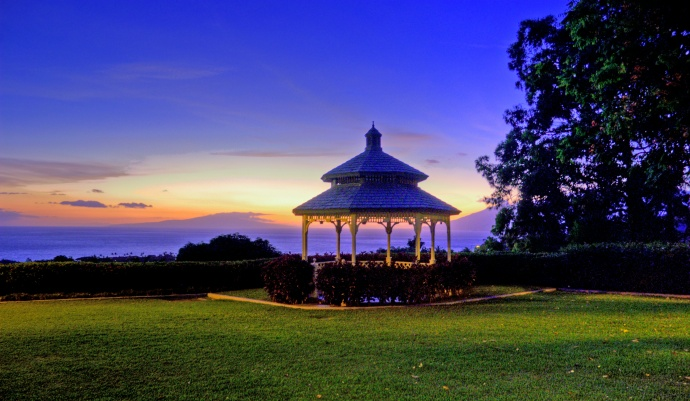 Sunset at seen from the Hotel Wailea lawn. Courtesy photo.