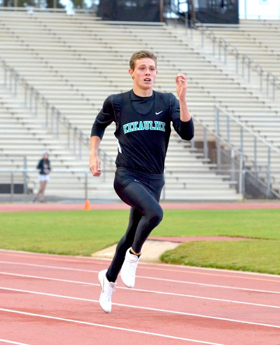 King Kekaulike's Jake Jacobs turned in a state best 51.28 seconds in the boys 400-meter dash Saturday at the Yamamoto Invitational finals. Photo by Rodney S. Yap.