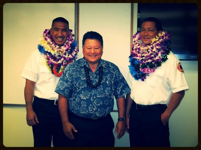 BC Amos Lonokailua-Hewett, Mayor Alan Arakawa, BC Richard Kawasaki. Photo courtesy MFD.