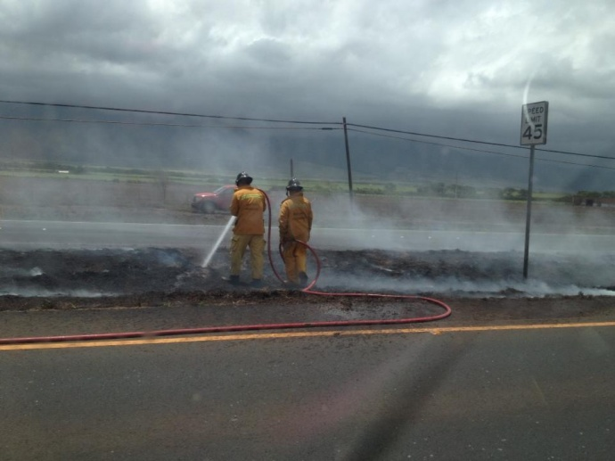 Mokulele Highway median fire, May 16, 2013.  Photo courtesy Arnelle Diego.