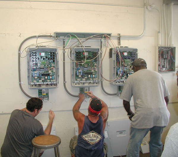 Students at UH Maui College learn to connect photovoltaic installations. Courtesy photo.