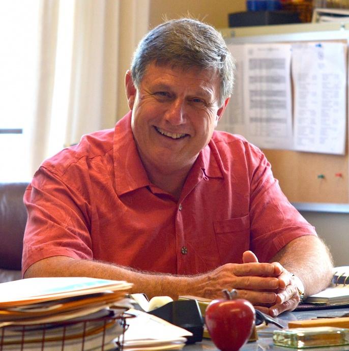 "Seabury Hall Headmaster Joe  says, ""Steve has left an amazing legacy."" Photo by Rodney S. Yap."