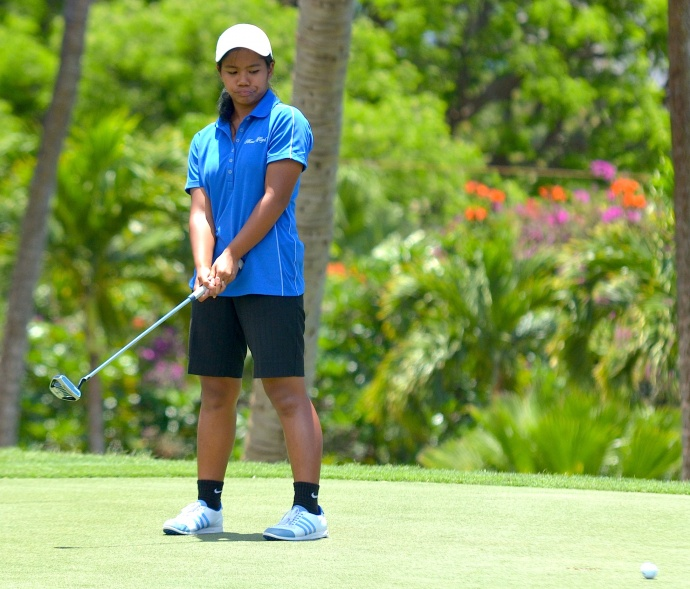 Maui High's Jasmine Cabajar just misses a par putt at No. 15 Wednesday at the Royal Kaanapali Golf Course. Photo by Rodney S. Yap.
