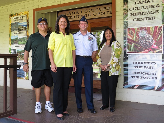 (Lānaʻi City, May 29) Congresswoman Tulsi Gabbard met with Air Force Reserves Colonel Jerry Arends, Joelle Aoki, Executive Director of the Coalition for Drug Free Lānaʻi (right), and John Ornellas, Chair of the Lānaʻi Planning Commission (left) to discuss the upcoming Tropic Care Lānaʻi. Photo courtesy Office of US Congresswoman Tusli Gabbard.
