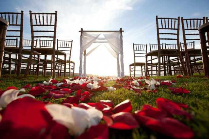 The 18th Annual Maui Wedding Expo will be held outdoors this year at the Plantation House in Kapalua. Courtesy photo.