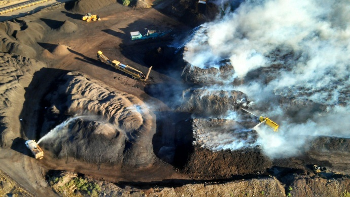 Aerial photo illustrates the amount of smoke being generated at the Central Maui Landfill. Photo by Rod Antone.