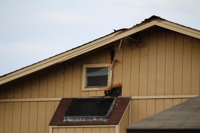 Lightning strikes Kahului home. Photo by Wendy Osher.
