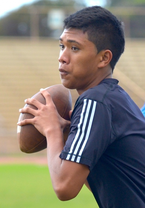 Baldwin High School junior-to-be Josiah Maglente-Tonu quarterbacked Team Maui over Kahuku on Saturday, 22-20. File photo by Rodney S. Yap.