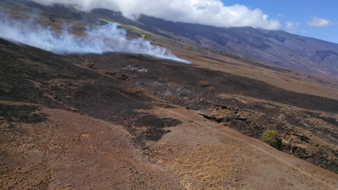Kaupō fire. Photo courtesy Maui Department of Fire and Public Safety.