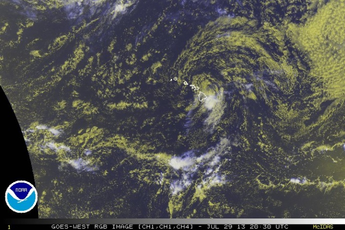 Flossie 10:30 a.m. 7/29/13. Satellite imagery courtesy NOAA/NWS/CPHC.
