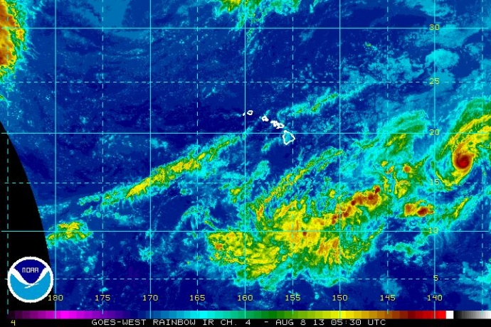 Henriette satellite imagery, 5 p.m. HST 8/7/13. Image courtesy NOAA/NWS/CPHC.