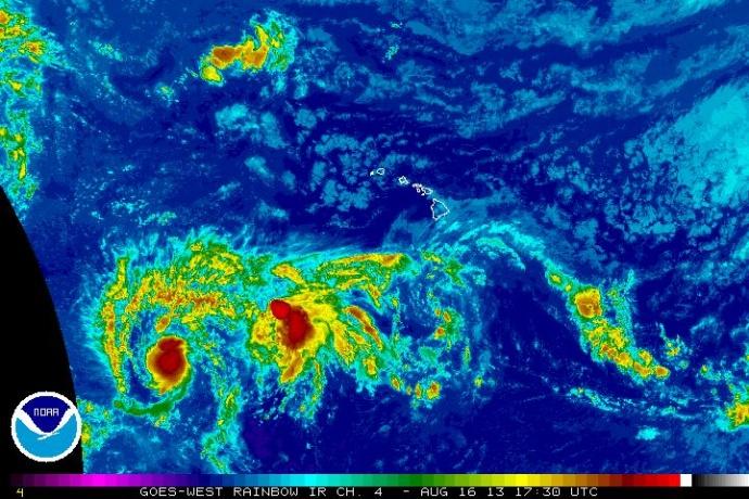 Pewa, 8/16/13. Satellite imagery courtesy NWS/NOAA/CPHC.