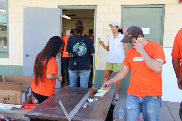 Volunteers from The Home Depot in Maui and UHMC work together to renovate the Veteran Resource Center. Courtesy photo UHMC.