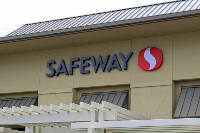 Safeway Maui Lani.  Photo by Wendy Osher.