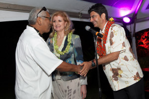 Clifford J. Nae'ole (emcee), Arianna Huffington and Pierre Omidyar (left) at the Maui launch party for Huffpost Hawaii. Courtesy photo.