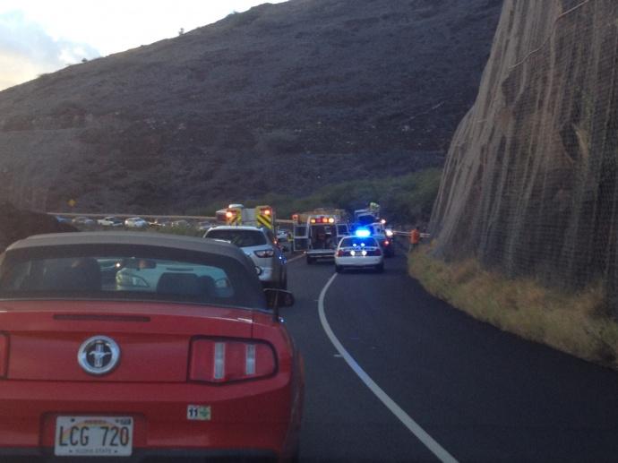 Honoapiʻilani Hwy, accident 9/25/13.  Photo by Chuck Bergson.