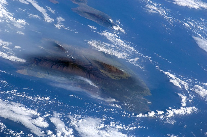 Volcanic plumes as seen from space shuttle Atlantis. (!) Photo courtesy Wikipedia