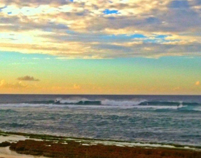 The point at Ho'okipa has more than one peak spreading out the crowds. Photo: Carlos Rock.