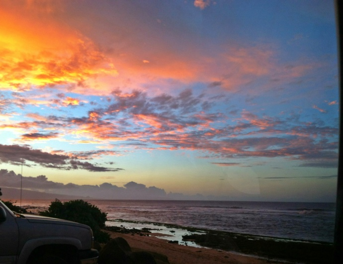 North shore sunsets for the win. Photo: Carlos Rock.
