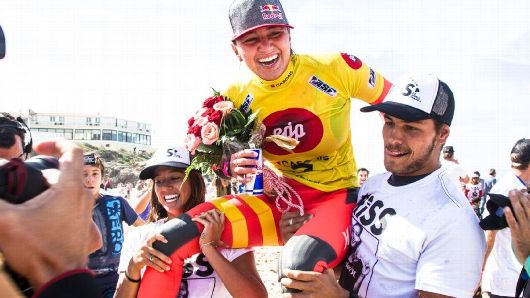 After a long year and one of the closest races in ASP history, a win at the EDP Cascais Girls' Pro cemented Carissa Moore's second career world title. Photo by ASP/Poullenot/AQUASHOT