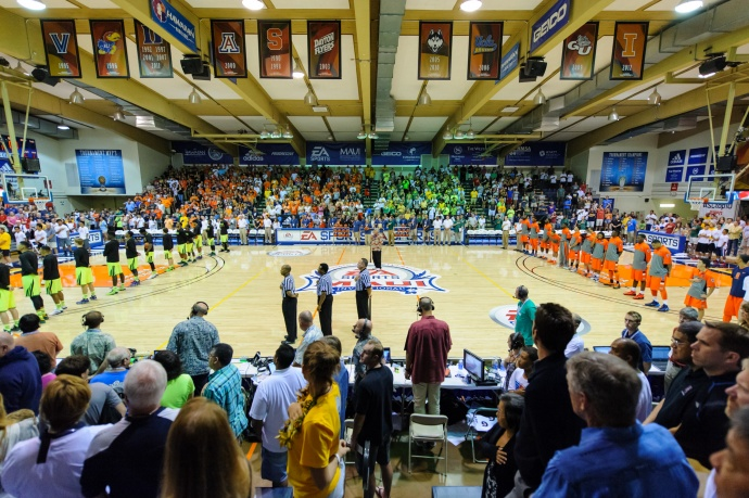 Inside the Lahaina Civic Center before the start of the championship tilt between No. 8 Syracuse and No. 18 Baylor. Photo by Denton Johnson.