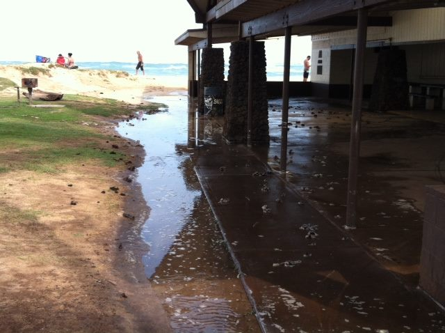 Lower lying areas of Baldwin Park in Pāʻia became flooded by high surf overnight. Photo, Nov. 13, 2013, courtesy County of Maui.